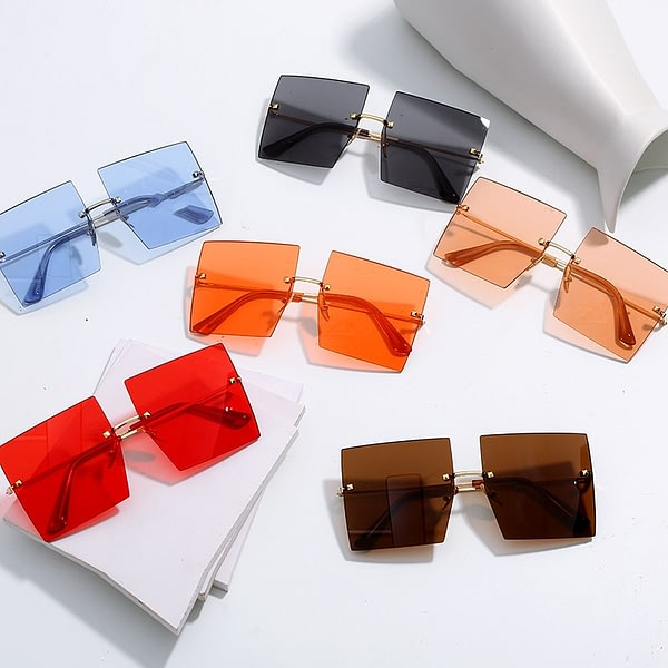 Trendy Oversized Square Sunglasses Women